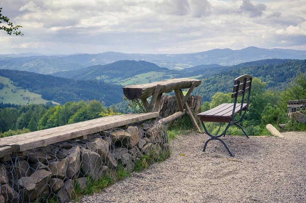 You are currently viewing Aktywny wypoczynek w górach – sprawdź co czeka na Ciebie w Beskidzie Sądeckim!